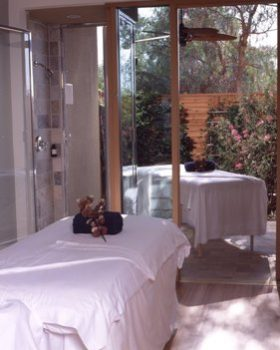 PALA SPA TREATMENT ROOM WITH PATIO