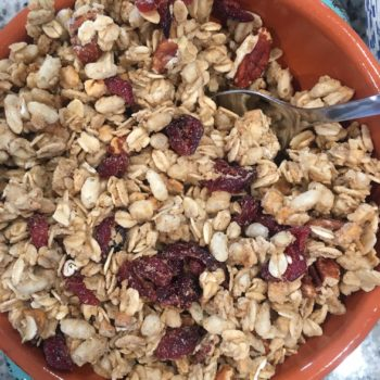 Granola with oats and berries